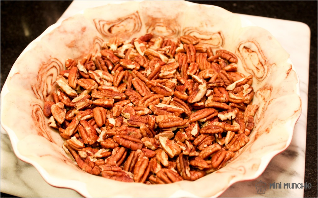 cinnamon bun pecan pie1-2