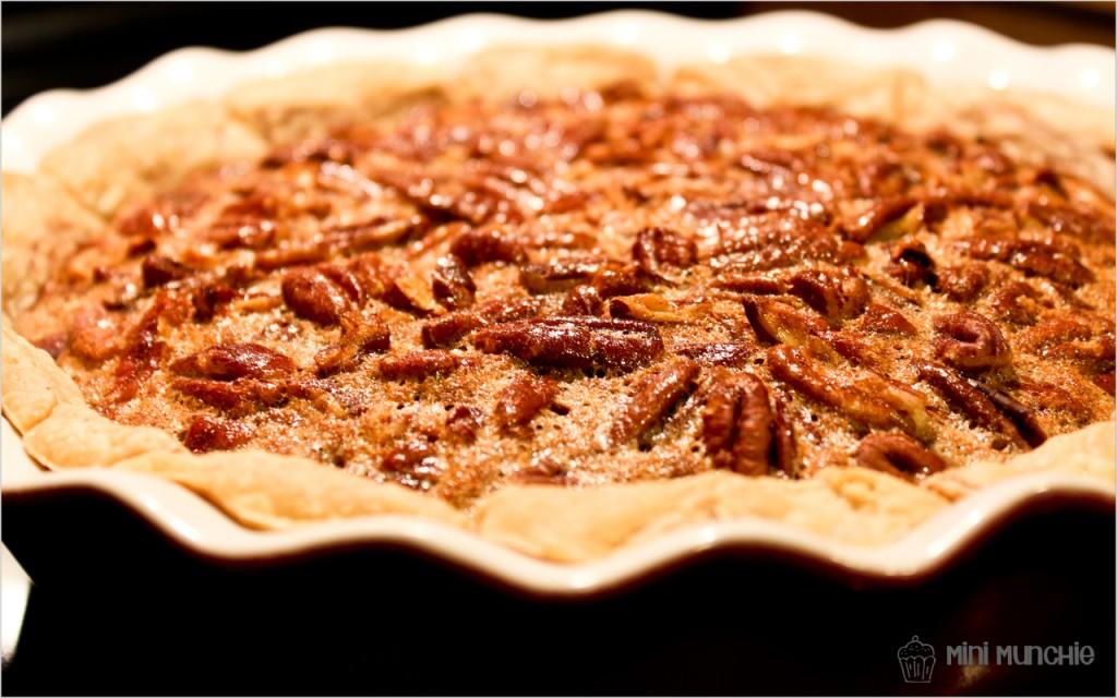 cinnamon bun pecan pie1-5