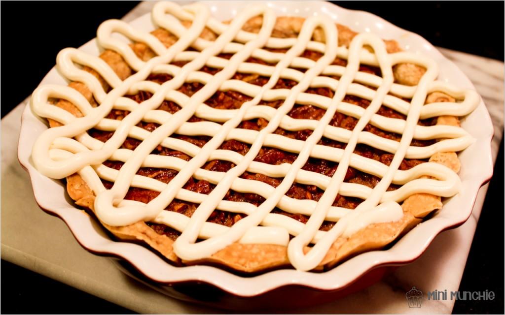 cinnamon bun pecan pie1-6
