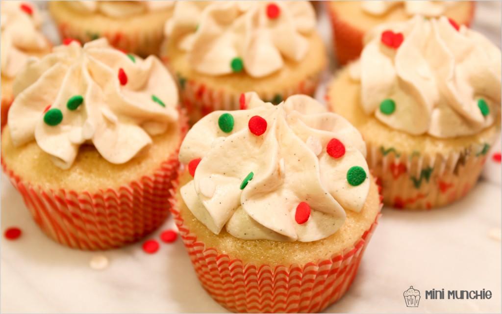vanilla cupcakes-3
