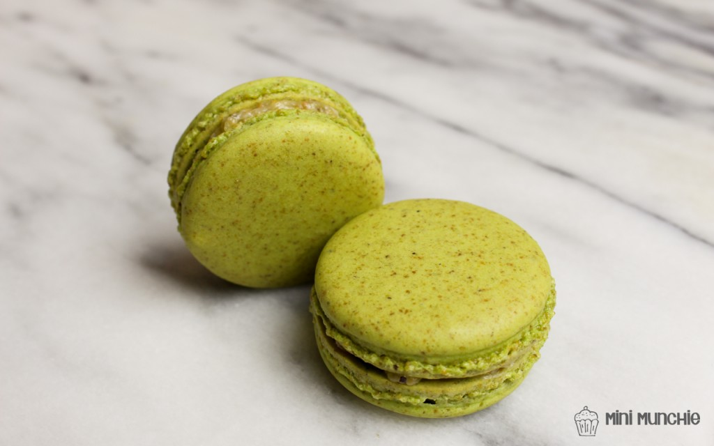pistachio macarons-2-2